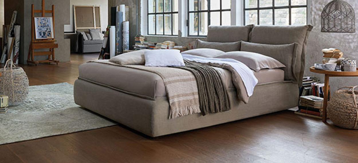 Italienisches Polsterbett von Dorelan für moderne Schlafzimmer