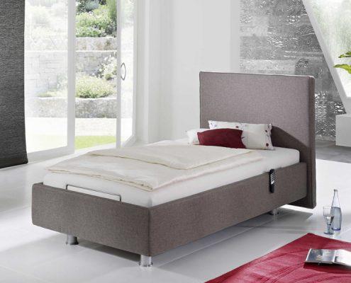 hohenverstellbares polsterbett für die pflege