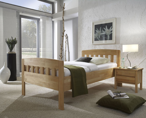 seniorenbett aus Holz mit motrisch verstellbarem Lattenrost