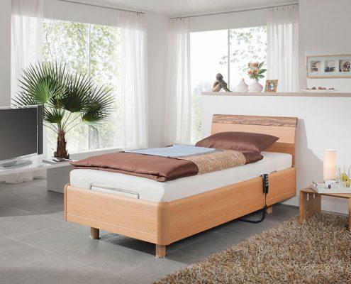 pflegebett für senioren aus Holz hoehenverstellbar